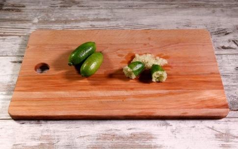Preparazione Panettone farcito salato con caviale di limone e funghi shiitake - Fase 3
