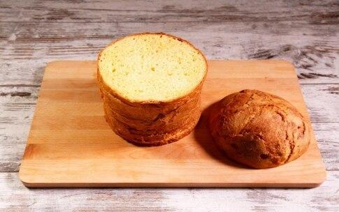 Preparazione Panettone farcito salato con pomodori confit, burrata e alici - Fase 1