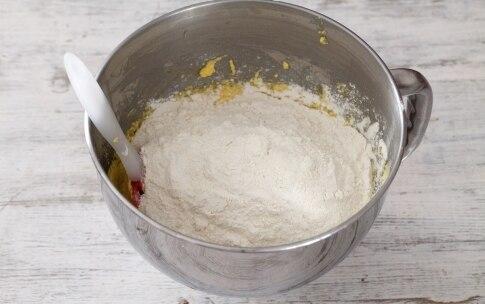 Preparazione Ciambellone ai mirtilli - Fase 3
