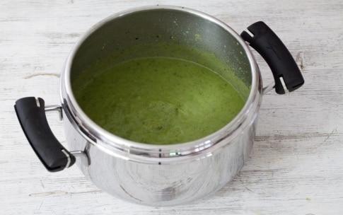 Preparazione Crema di broccoli al latte di cocco - Fase 2