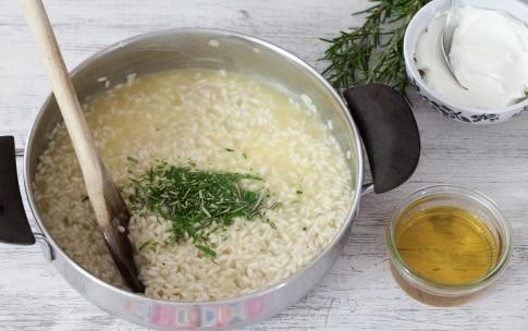 Preparazione Risotto al miele e rosmarino - Fase 2