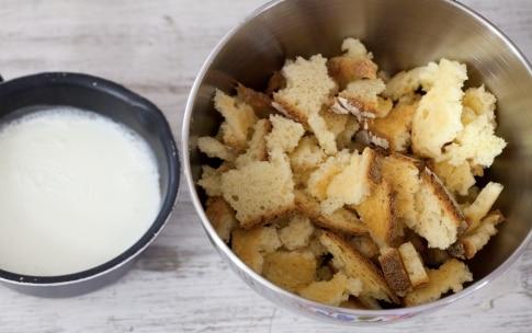 Preparazione Torta di pane salata - Fase 1