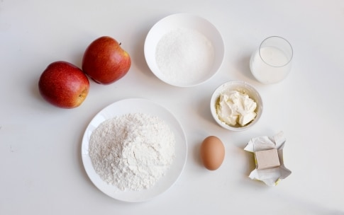 Preparazione Waffle con mele e cannella - Fase 1