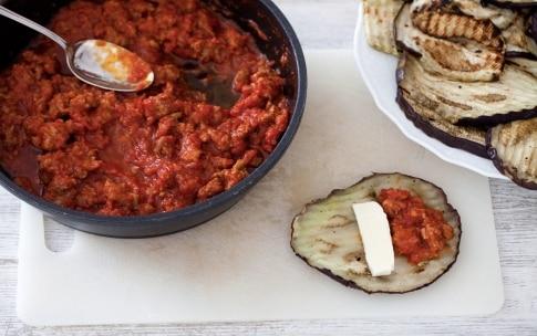 Preparazione Cannelloni di melanzane al ragù di salsiccia - Fase 3