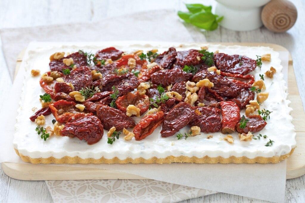 Cheesecake alla ricotta noci e pomodori secchi