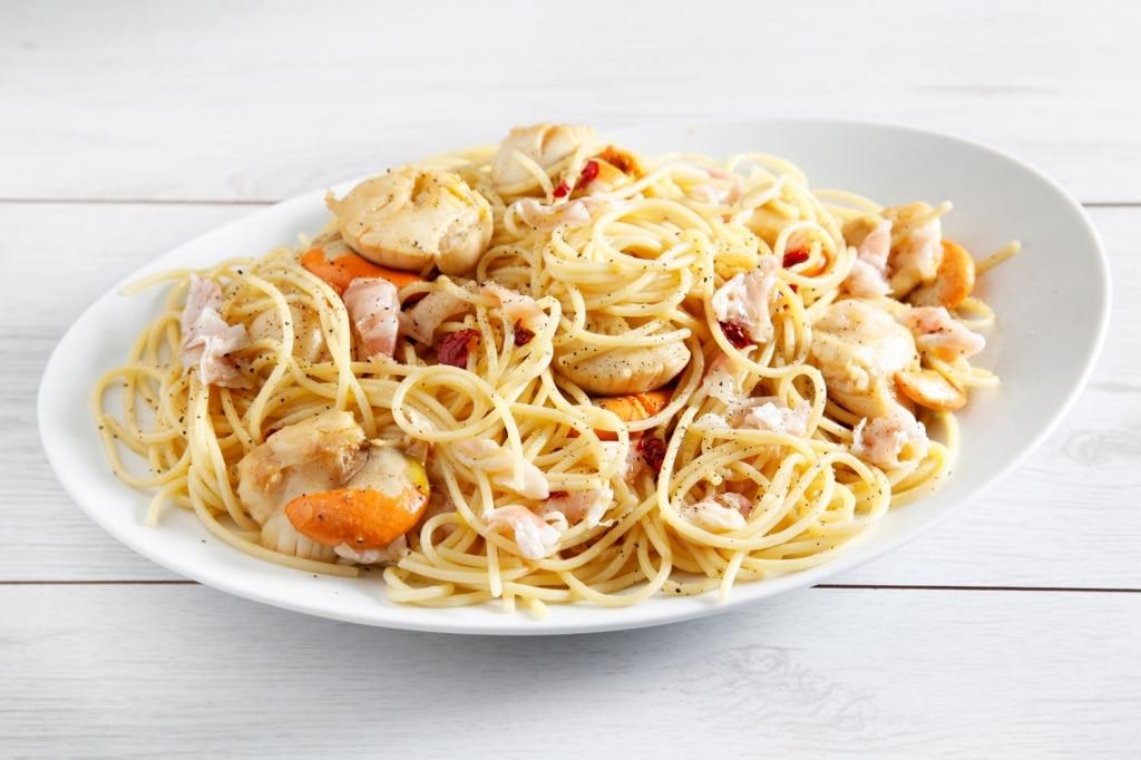 Spaghetti di farro con pancetta e capesante