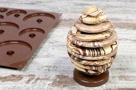 Uovo di cioccolato marmorizzato