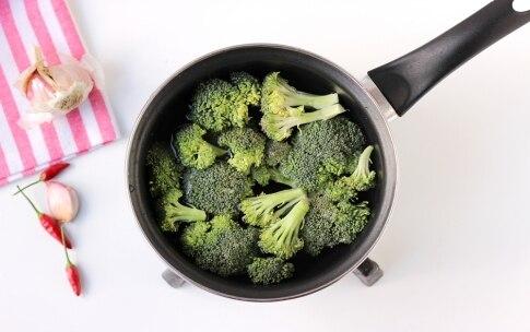 Preparazione Vermicelli alle vongole e crema di broccoli - Fase 1