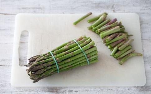 Preparazione Salmone al forno con asparagi - Fase 1