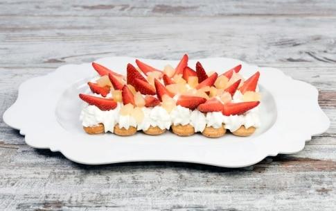 Preparazione Torta veloce panna e fragole - Fase 4