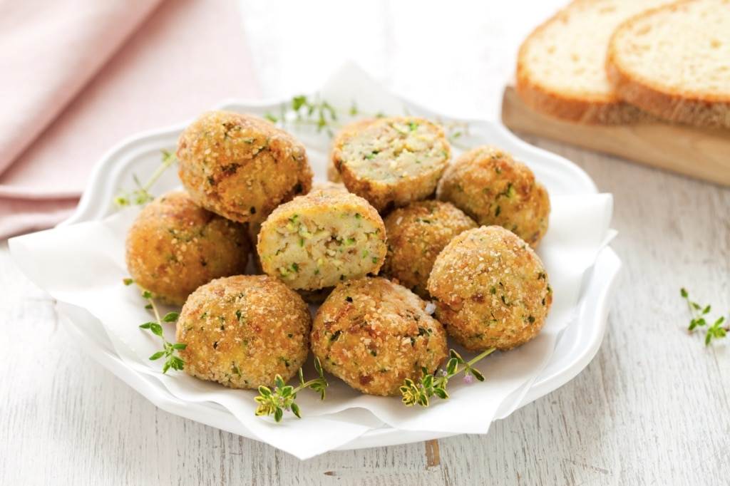 Ricetta polpette di pane e zucchine cucchiaio d 39 argento for Cucinare le zucchine