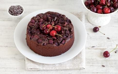 Preparazione Torta al cioccolato e ciliegie - Fase 4