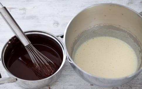 Preparazione Torta al cioccolato e ciliegie - Fase 2