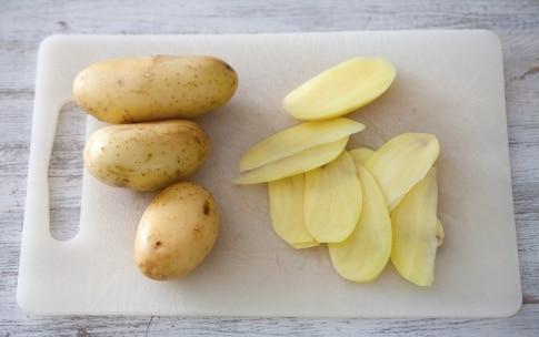 Preparazione Torta di spinaci e ricotta in crosta di patate - Fase 1