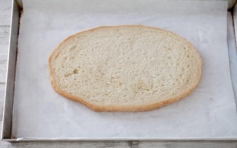 Preparazione Bruschetta con formaggio di capra, avocado, pomodori ciliegini e semi di papavero - Fase 3