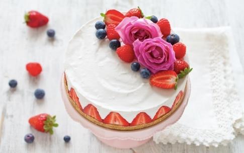 Preparazione Cheesecake senza cottura alle fragole - Fase 5