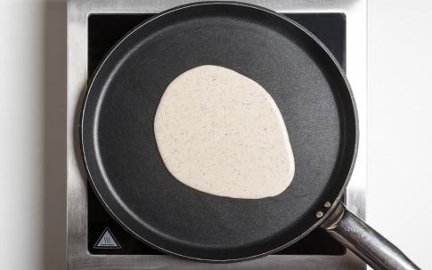 Preparazione Crepes di grano saraceno senza glutine - Fase 2