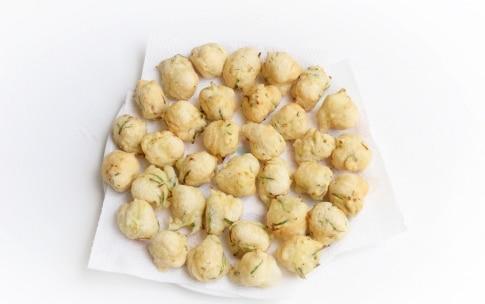 Preparazione Frittelle di zucchine - Fase 3