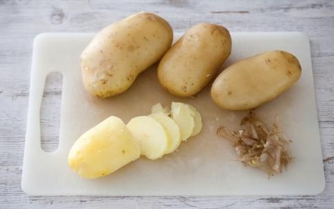 Preparazione Patate, pomodoro e pancetta al forno - Fase 1
