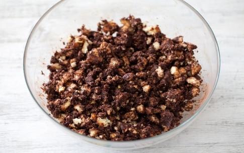Preparazione Torta al cioccolato senza cottura - Fase 2