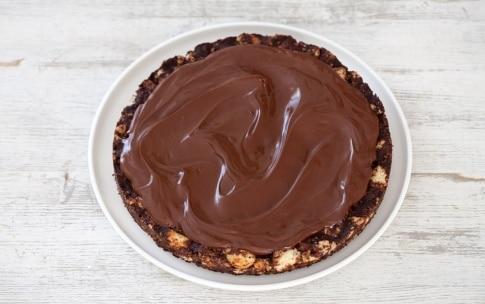 Preparazione Torta al cioccolato senza cottura - Fase 4