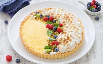 Crostata meringata al limone con frutta