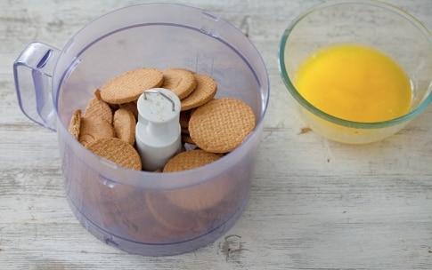 Preparazione Crostata senza cottura con more e fichi - Fase 1