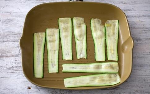 Preparazione Crostoni con robiola, zucchine grigliate, porchetta e pesto - Fase 2