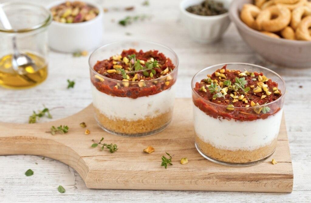 Mini cheesecake di ricotta ai pomodorini secchi