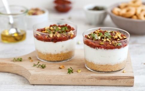 Preparazione Mini cheesecake di ricotta ai pomodorini secchi  - Fase 4