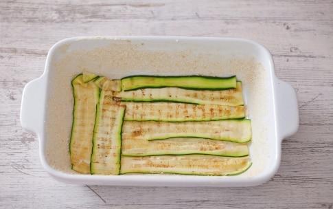 Preparazione Parmigiana bianca di zucchine - Fase 2