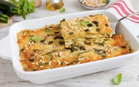 Preparazione Parmigiana bianca di zucchine - Fase 3
