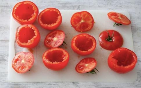 Preparazione Pomodori ripieni di riso - Fase 1