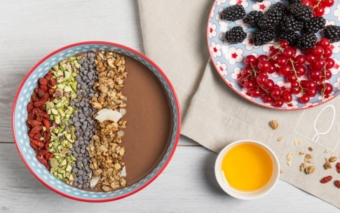 Preparazione Smoothie bowl al cioccolato e banana - Fase 3