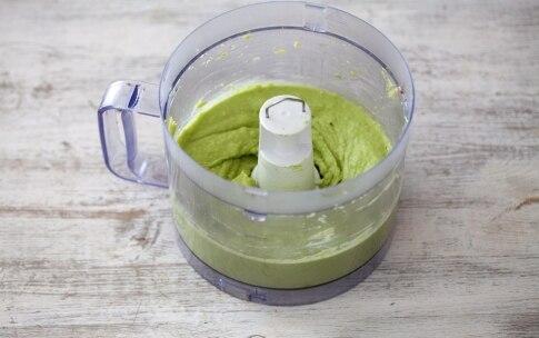 Preparazione Spiedini di avocado, mozzarella e focaccia alle olive - Fase 1