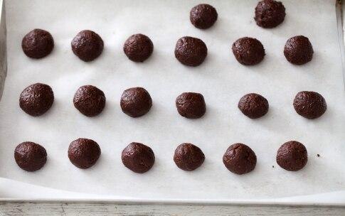 Preparazione Tartufi di amaretti e cioccolato - Fase 2