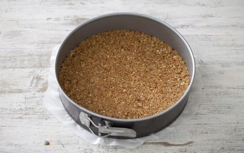 Preparazione Torta fredda ai fichi con salsa di lamponi - Fase 1