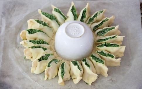 Preparazione Torta girasole spinaci e ricotta - Fase 4
