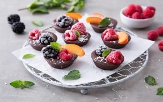 Cioccolatini con frutta fresca