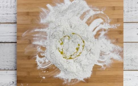 Preparazione Piadina all'olio e grano saraceno con formaggio fuso - Fase 1
