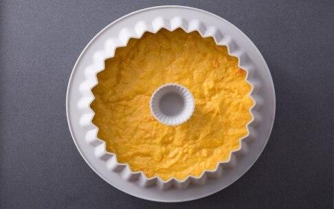 Preparazione Torta alle carote con salsa al cioccolato bianco e pistacchi - Fase 2