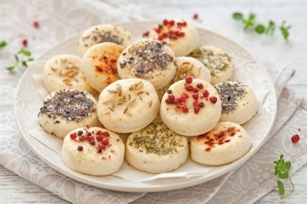 Biscotti salati con semi e spezie