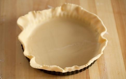 Preparazione Crostata con crema allo yogurt e uva  - Fase 2