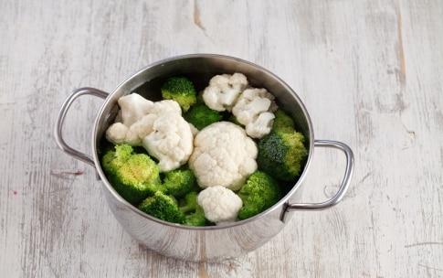 Preparazione Gratin di cavolfiori e broccoli - Fase 1