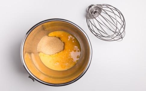 Preparazione Pan di Spagna di riso senza glutine - Fase 2