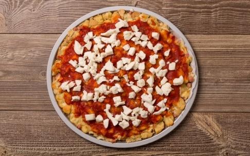 Preparazione Pizza di pane ricca - Fase 5