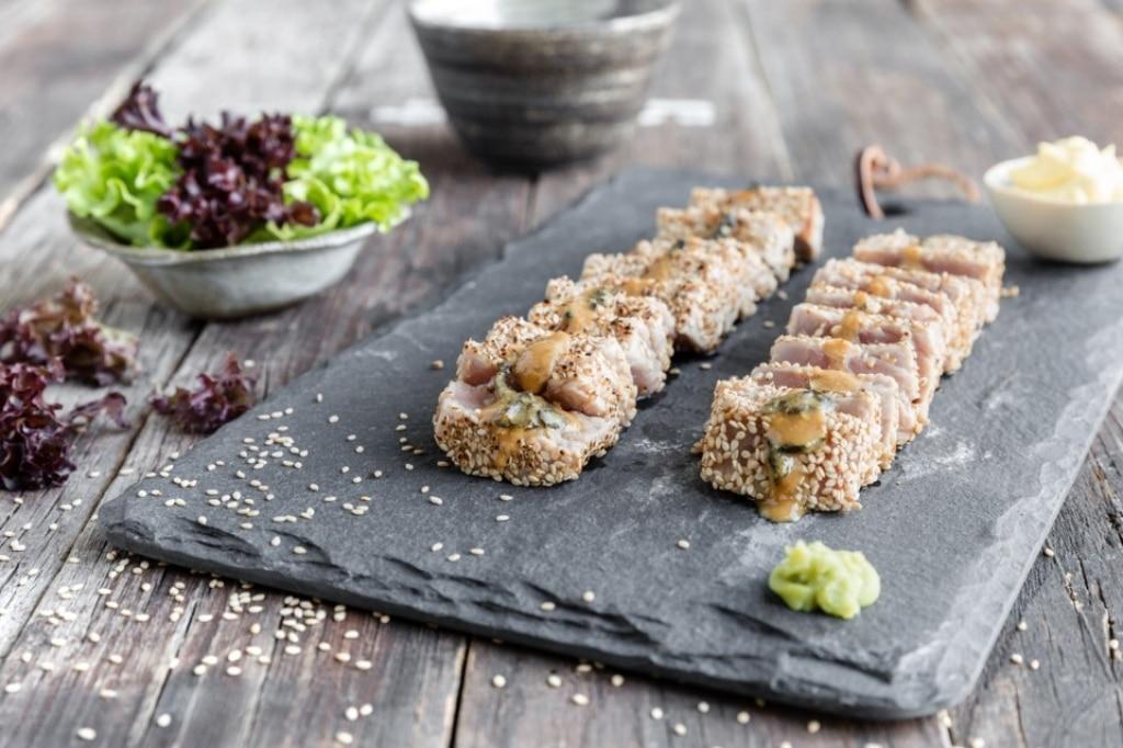 Tonno tataki con miso e maionese al wasabi