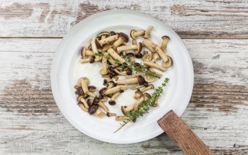 Preparazione Vellutata di zucca e patate con funghi - Fase 2