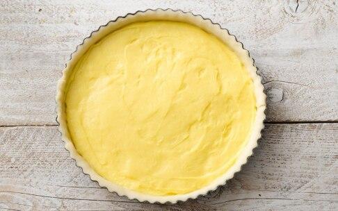 Preparazione Crostata con crema al limone e panna montata - Fase 3