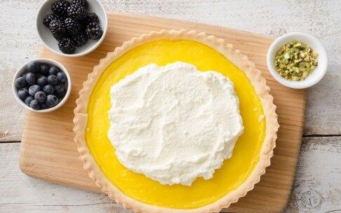 Preparazione Crostata con crema al limone e panna montata - Fase 4